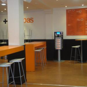 phone charging kiosk olebox