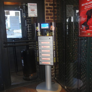 phone charging station kiosk iolebox